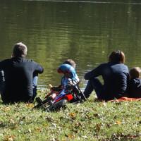 Es gibt viele Angebote für Familien im Landkreis Coburg. Einen Überblick wünscht sich die SPD-Kreistagsfraktion.