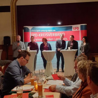 In einer Talkrunde diskutierte die SPD über die Herausforderungen der Kreispolitik in den nächsten Jahren.